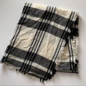 Merona Target Black and Cream Plaid Blanket Scarf